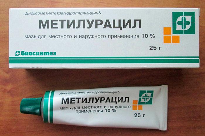 Упаковка и тюбик мази Метилурацил
